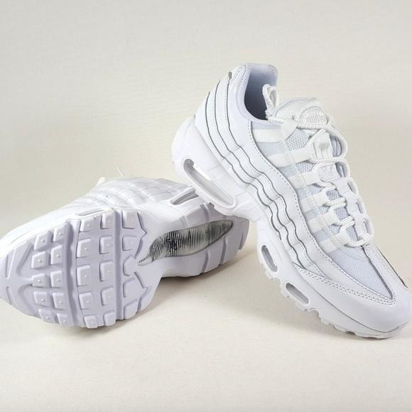 Zapatos Nike Air Max Blancas 95 Og Triple Zapatillas Blancas Max Poshmark 154757